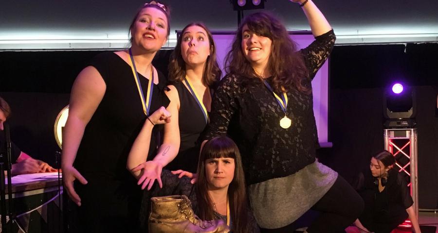Turnéstart för Svenska Mästarna i Poetry Slam på Urkult