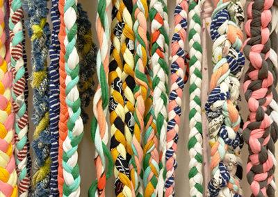 Slöjdverkstan – Rep, trasor, band och snoddar – makramé på olika sätt
